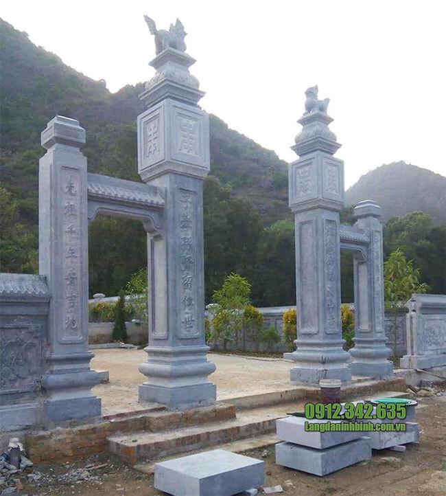 Cổng chùa tam quan