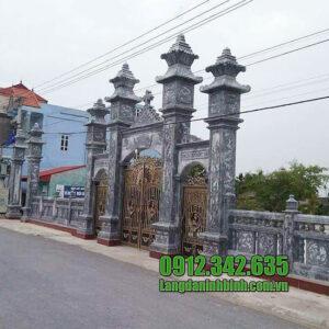 Cổng nhà thờ công giáo đẹp bằng đá