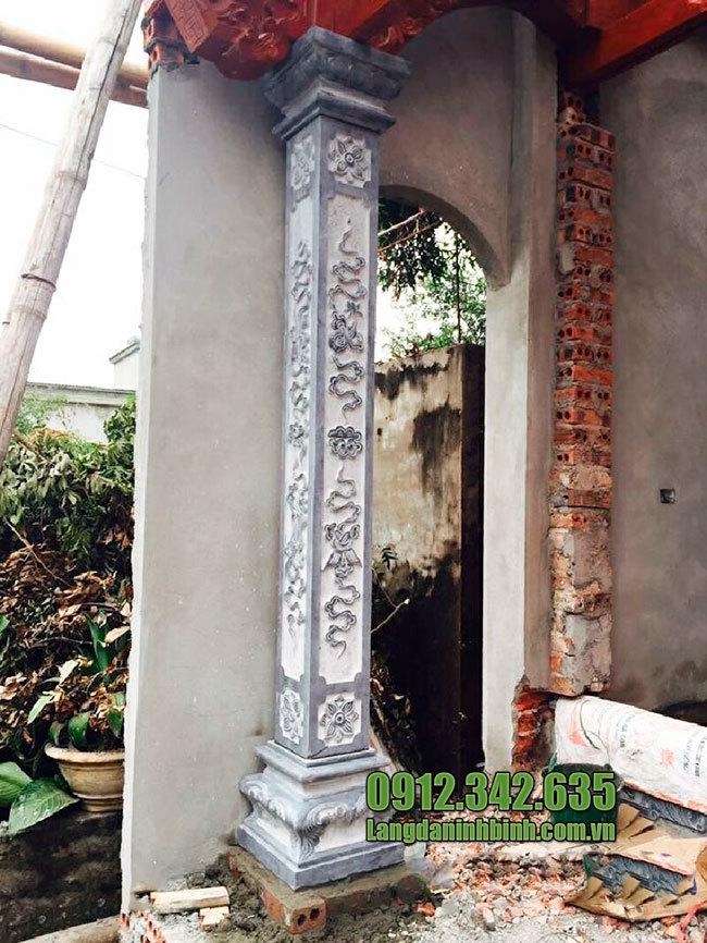 Cột nhà vuông bằng đá