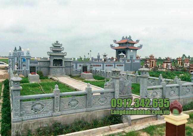 Khu nhà mồ bằng đá đơn giản ở Bình Phước