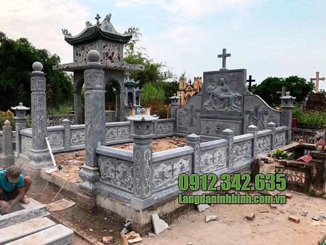 Lăng mộ đá công giáo ninh vân