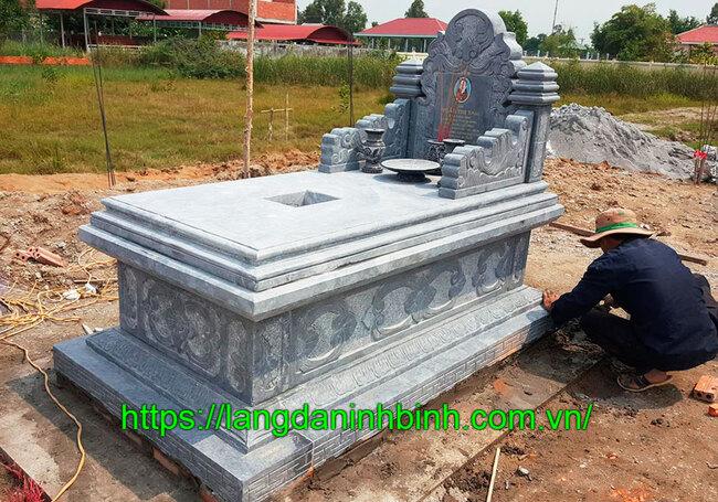 Mẫu mộ đá hậu bành