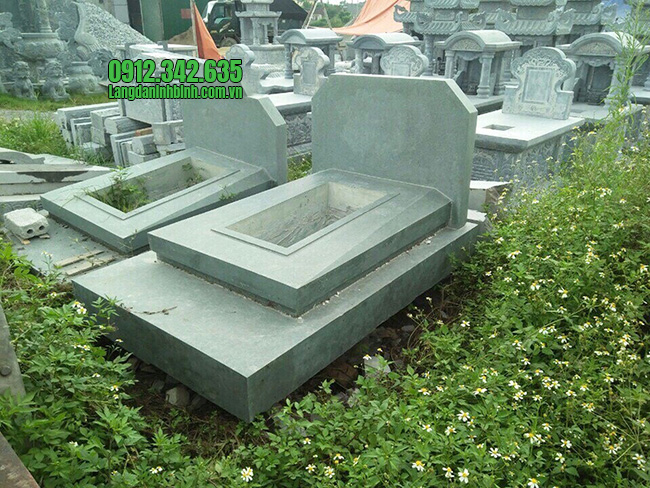 Mẫu mộ đôi bằng đá xanh rêu