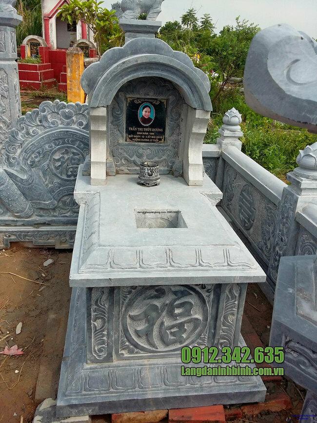 Mẫu mộ đá mái vòm