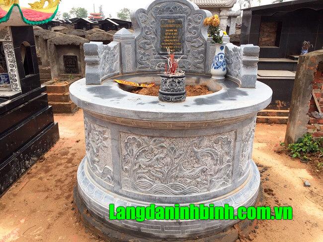mộ tròn bằng đá