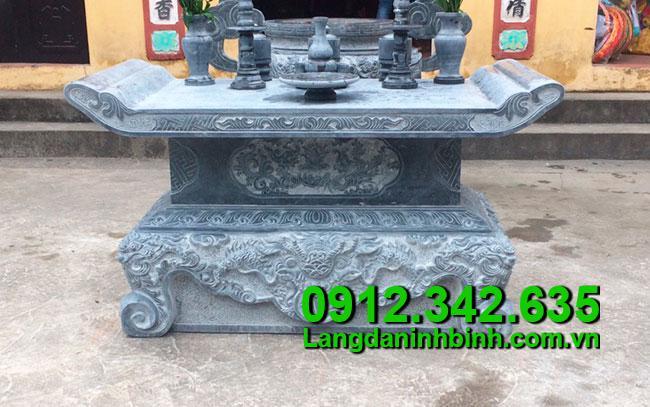 Các mẫu bàn lễ đá thờ đẹp chất liệu đá xanh tự nhiên