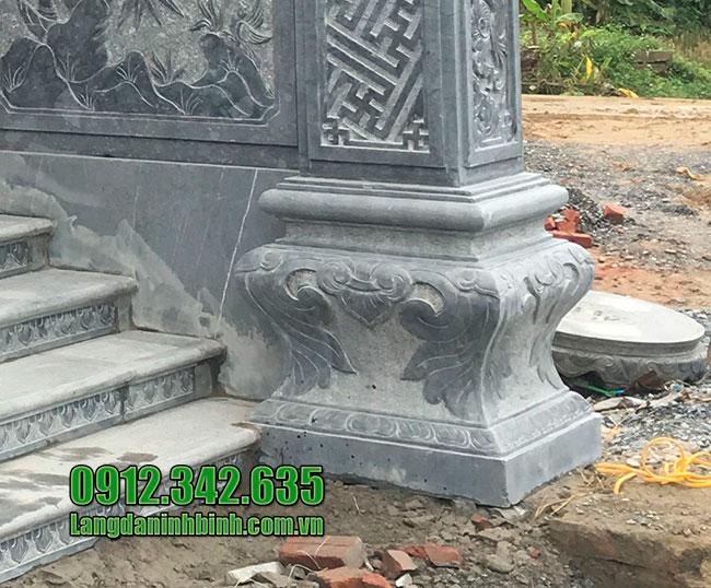 Chân cột vuông bằng đá