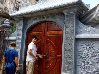Mẫu cổng từ đường bằng đá đẹp được chế tác tại Ninh Bình
