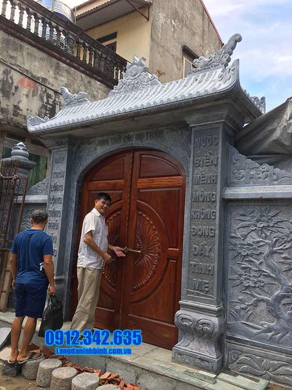 cổng nhà thờ tộc bằng đá xanh đẹp