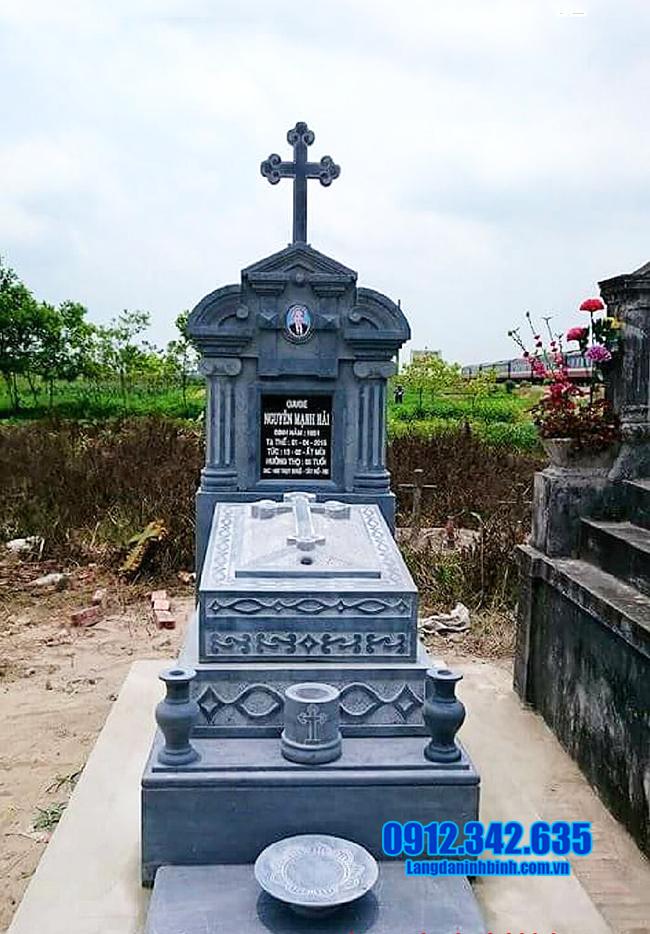 mẫu mộ công giáo bằng đá xanh đẹp