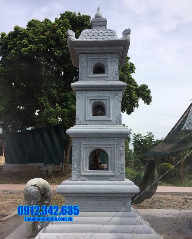 mộ tháp bằng đá