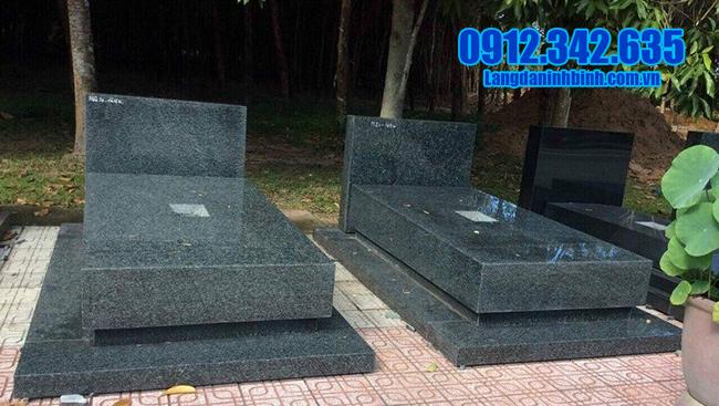 mộ hoa cương nguyên khối