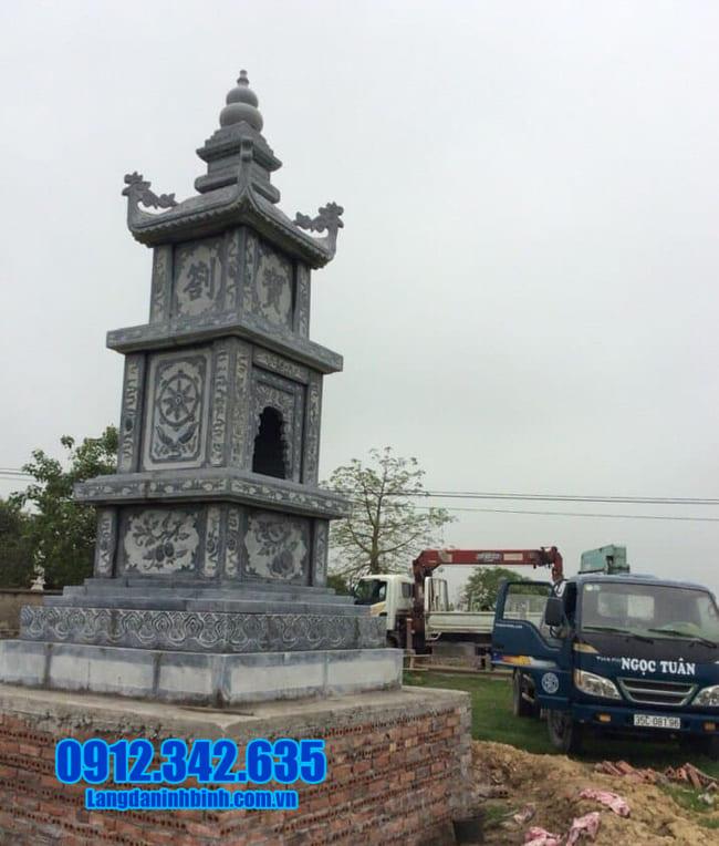 mẫu mộ đá hình tháp tại Quảng Trị đẹp