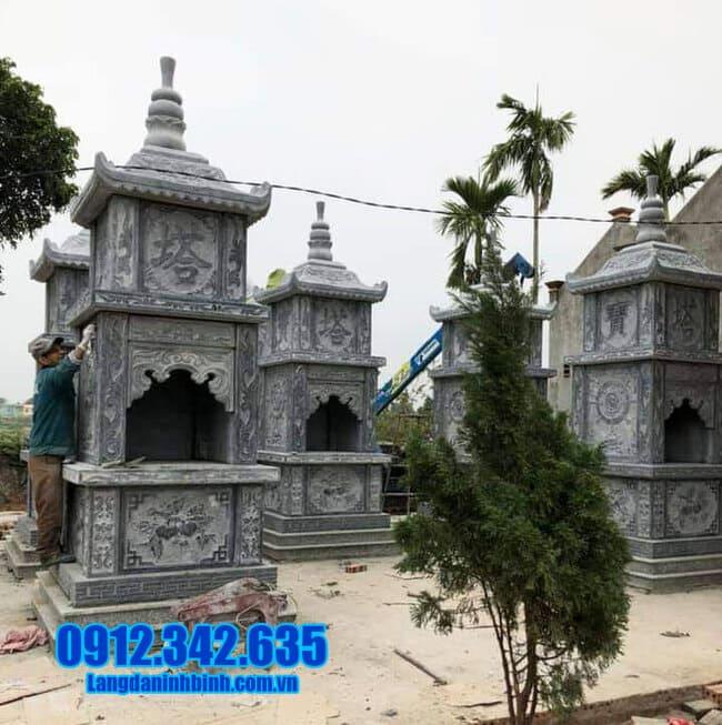 mẫu mộ đá hình tháp tại Quảng Trị