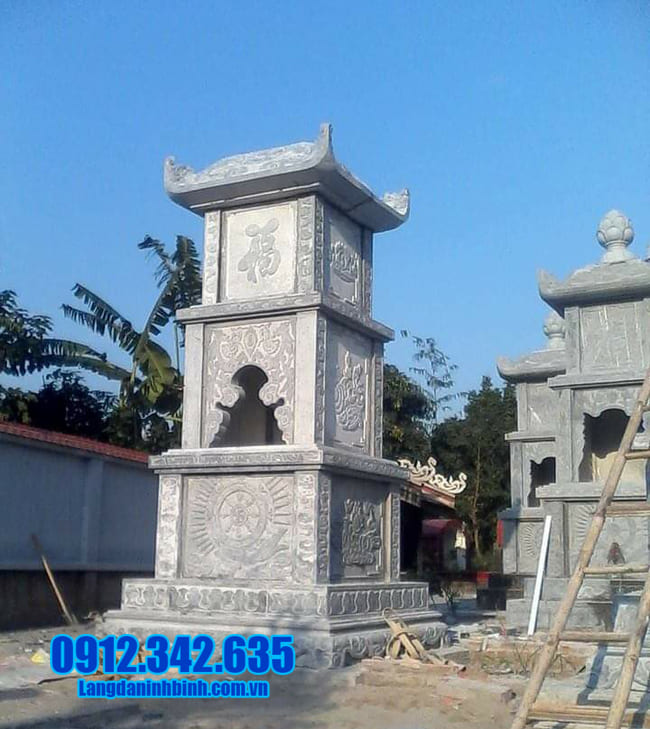 mẫu mộ tháp đá tại Quảng Trị
