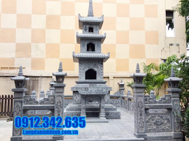 mộ hình tháp phật giáo bằng đá tại Quảng