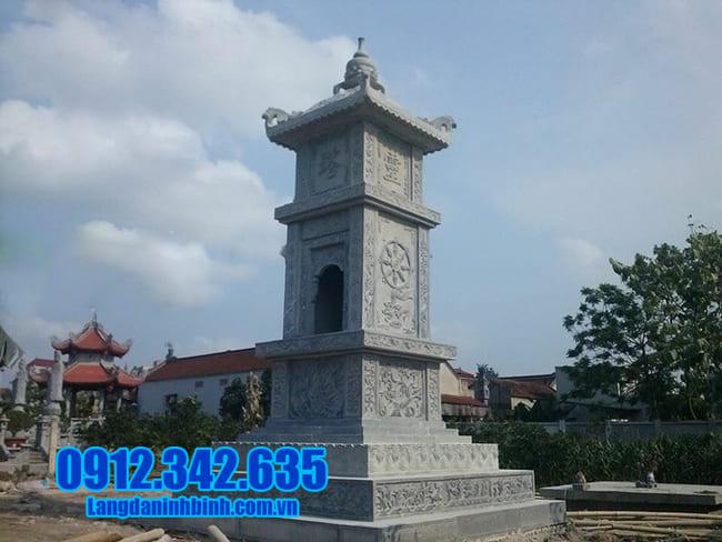 mộ tháp bằng đá tại Quảng Trị