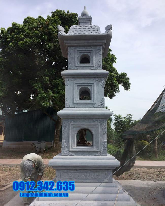 mộ tháp đá tại Huế