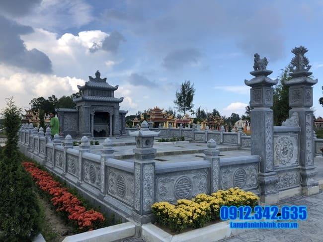 lăng mộ bằng đá tại Huế