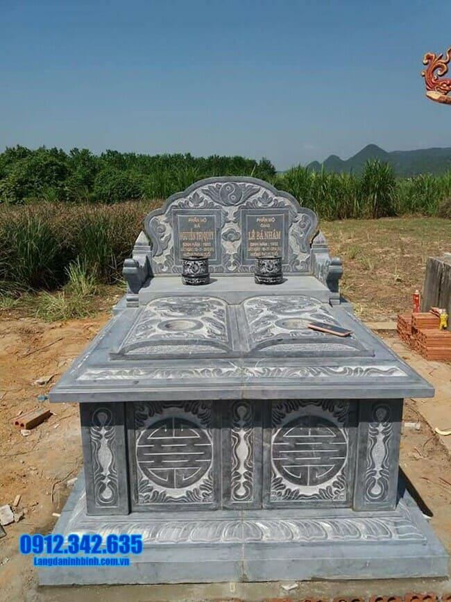 mẫu mộ đá đôi tại Quảng Ngãi