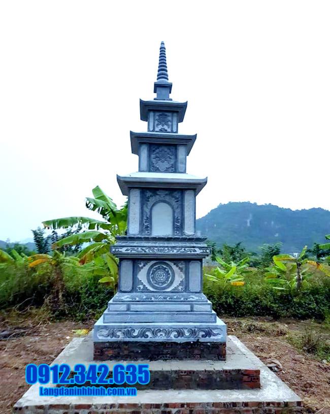 mộ đá hình tháp tại Quảng Nam