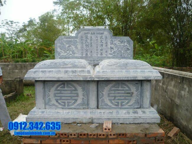mẫu mộ đá đôi tại Bình Định