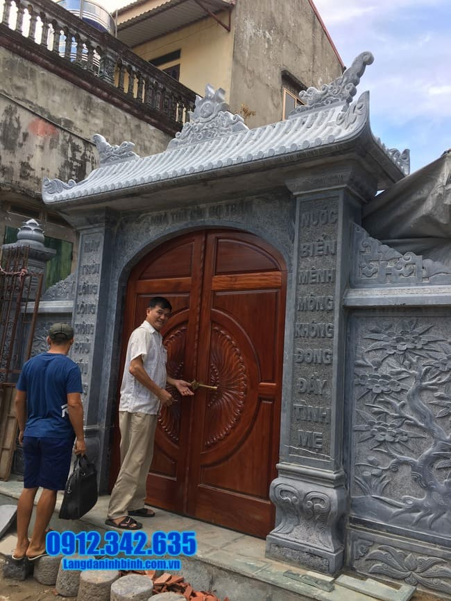 cổng đá nhà thờ họ tại Thái Nguyên