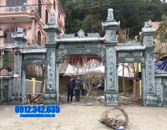cổng tam quan bằng đá tại Bắc Giang