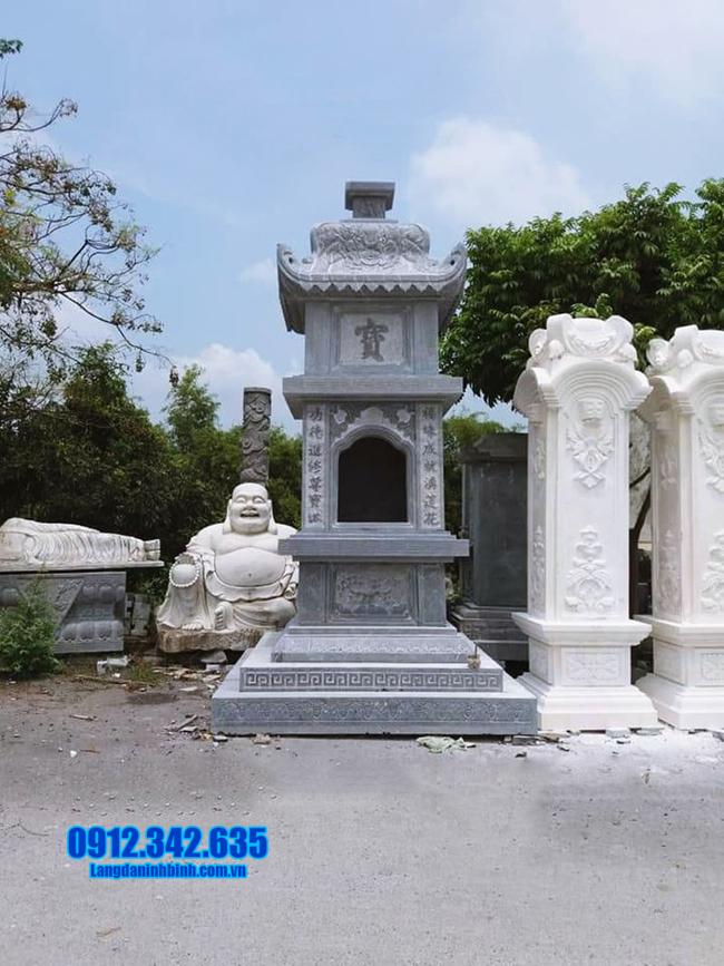 tháp mộ đá để hũ tro cốt tại Bến Tre