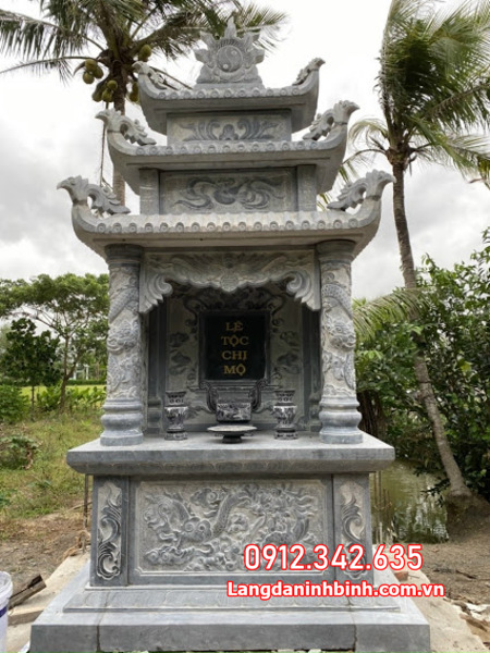 mộ đôi đá tại Ninh Thuận