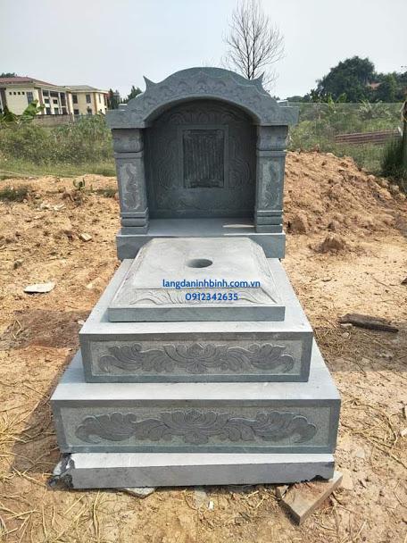 Mẫu mộ đơn giản bằng đá hợp phong thủy