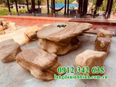 Mẫu bàn ghế đá sân vườn