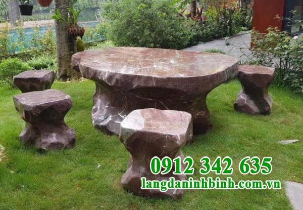 Mẫu bàn ghế đá sân vườn đẹp