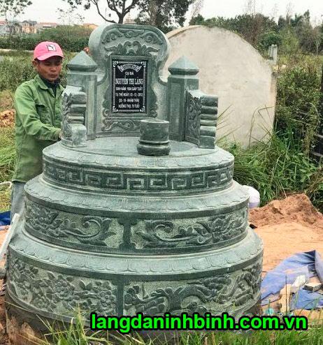 Mộ tròn bằng đá xanh rêu Thanh Hóa